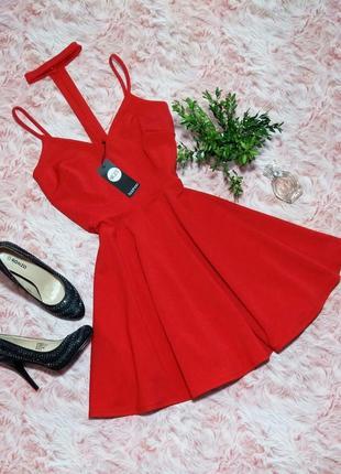 Оригинальное красное секси платье с чокером boohoo