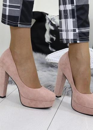 Новые женские пудровые туфли на высоком удобном каблуке