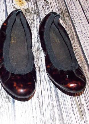 Фирменные туфли для девушки, размер 40