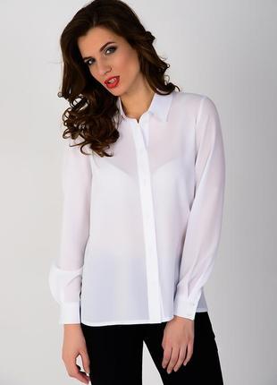 Белая блузка офисного стиля под все