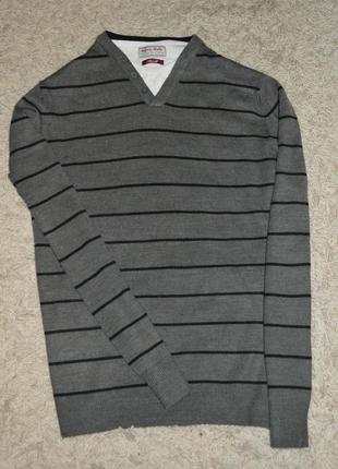 Легенький свитерок