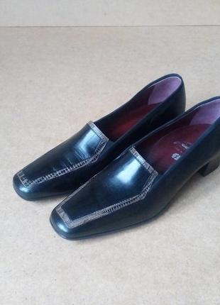 Туфли figini италия кожаные средний каблук классика