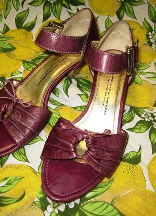 Кожаные босоножки на устойчивом каблуке 25см. 39р. туфли марсала сливовые
