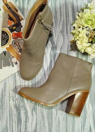 H&m. кожа. стильные ботинки на устойчивом каблуке