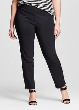 Стильные укороченные брюки --plus-size-бренд- karella ..к низу заужены---18р италия