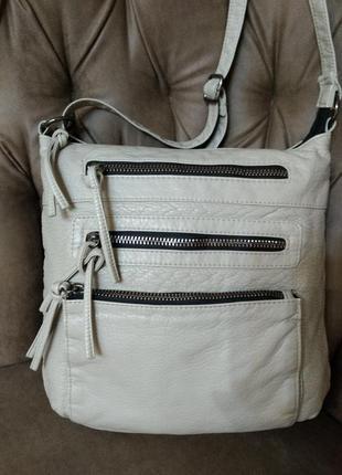 Удобная сумка на плечо primark