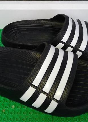 Шлепанцы  тапки adidas ( оригинал) 18 см