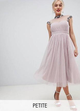 Тюлевое платье миди с отделкой камнями