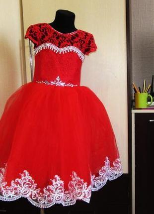 На выпускной мега платье на 6-7 лет
