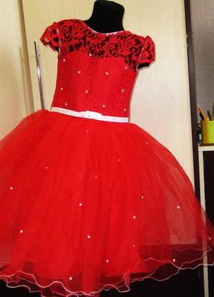 Авторское платье на выпускной на 6-7 лет