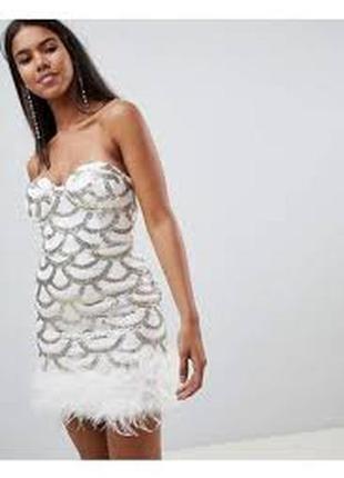 Мини платье в паетки с пухом страуса