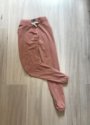 Спортивні котонові штани на зав'язці резинці персикового кольору blue motion m