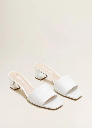 Кожаные босоножки мango на каблуке