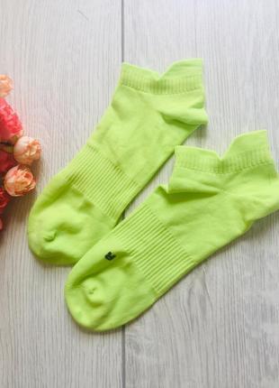 Яркие короткие носочки