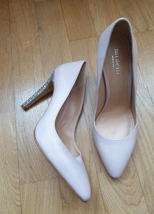 Супер туфлі із натуральної шкіри. новинка