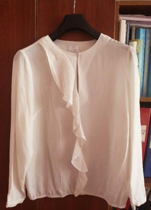 Симпатична, белая, шелковая блуза