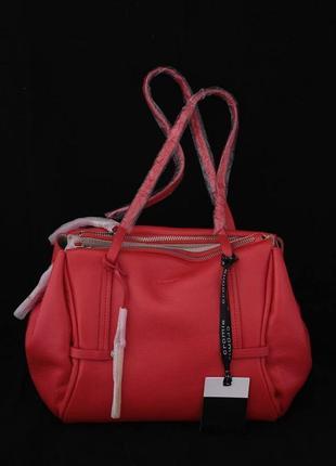 Сумка модного итальянского бренда cromia, в красном цвете.