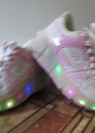 Светящиеся роликовые кроссовки fashion