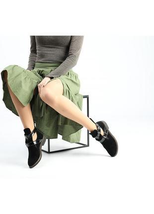 Черные замшевые ботинки на низком ходу6 фото