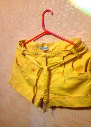 Короткі яскраві шорти лето короткие яркие шорты с поясом topshop