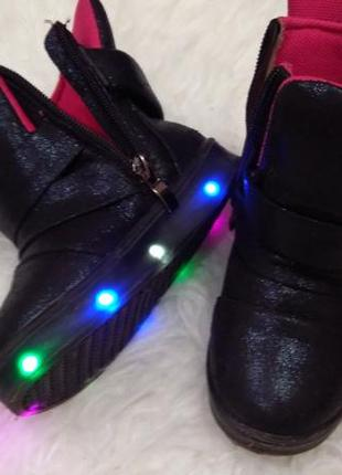 Черевики ботинки для девочки світяться