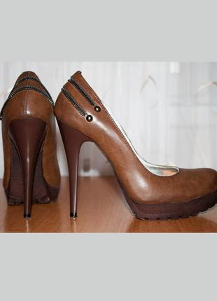 Женские туфли коричневые на каблуке с платформой epiffani