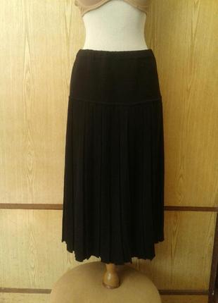 Черная плотная юбка , l - xl.