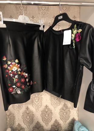 Шикарный костюм кожаный эко- кожа