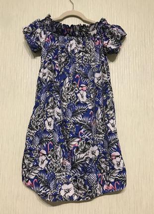 Очень милое летнее платье с фламинго с опущенными плечиками