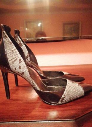 Шикарние черние, комбинирование туфли