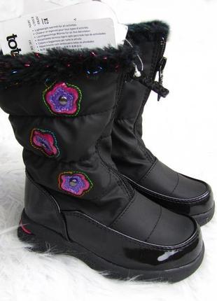 Крутые и стильные ботинки сапоги totes