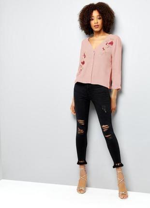 Стильная блуза с вышивкой new look