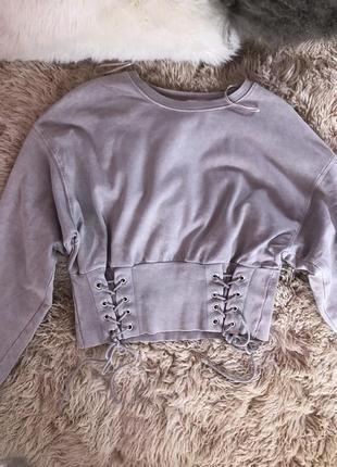 Серый свитер с завязками