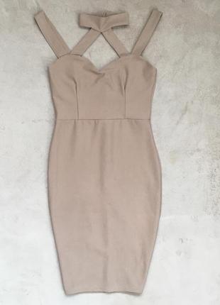 Коктельное бандажное платье с чокером