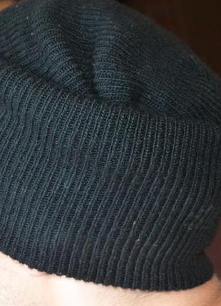Черная трендова шапка levis (m/л)