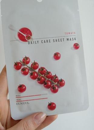 Тканевая маска для увлажнения кожи с томатом