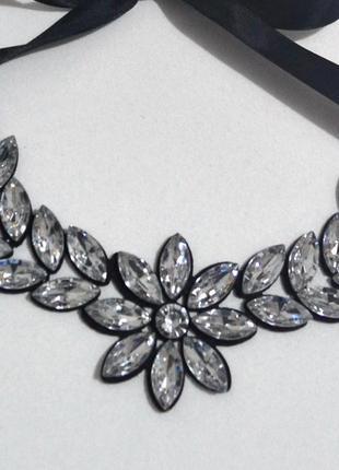 Ожерелье зеркальное из белых камней. бижутерия.