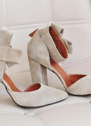 Замша. роскошные туфли на устойчивом каблуке