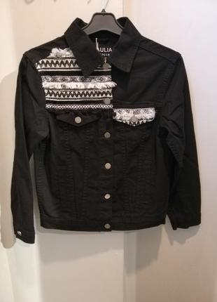 Джинсовая куртка піджак чорного кольору з орнаментом