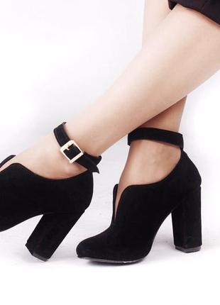Замша. роскошные закрытые туфли на устойчивом каблуке