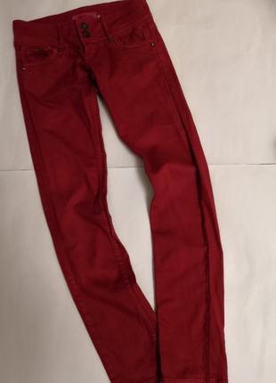 Брендовые брюки bershka denim, размер хс