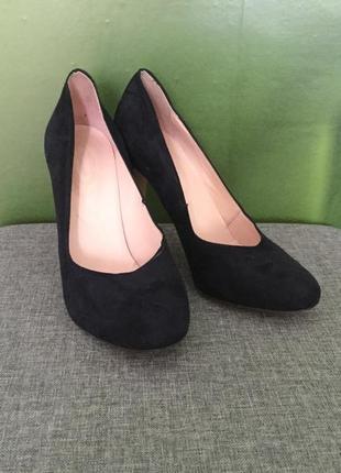 Дизайнерські туфлі faconnable