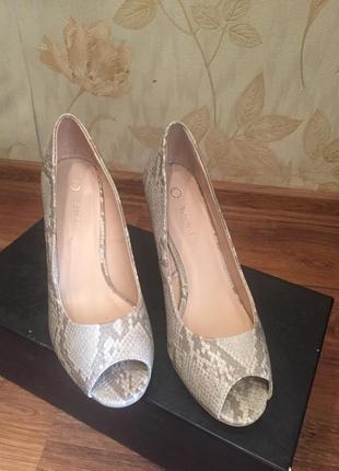 Туфли под змеиную кожу