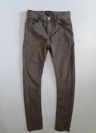 Фирменные джинсы скинни 9-10 лет