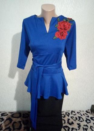 😍шикарна блуза з баскою, поясом та  аплікацією😍