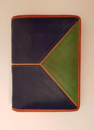 Красивый необычный кожаный удобный кошелек