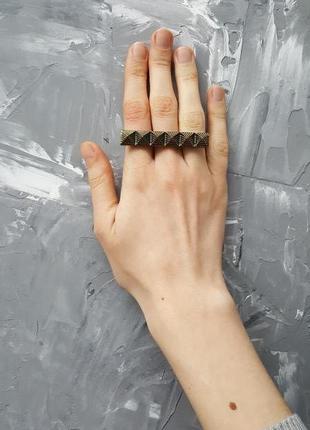 Кольцо на три пальца шипы бронзового цвета панк готический стиль