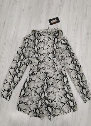 Ромпер в стиле пиджака с принтом змеиной кожи6 фото