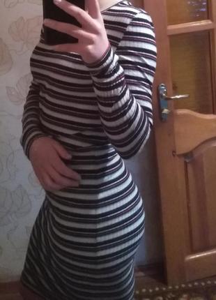 Платье миди, идёт по фигуре