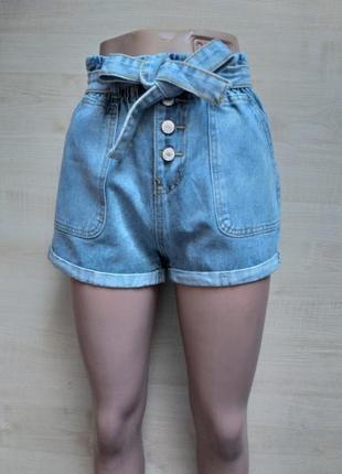 Шорты мом джинсовые на резинке с поясом и высокой посадкой